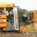 Wideo z wypadku szkolnego autobusu