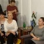 """Tusk spotkał się z protestującymi: """"Sorry, ale jest pan kłamcą!"""""""