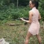 Nigdy nie ufaj dziewczynie z bronią!