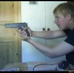 BAWIŁ SIĘ bronią - WYPADEK!