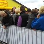 Polacy szturmują Biedronkę - prawdziwa dzicz!