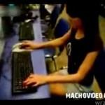 """Dziewczyna rozłożyła go w """"Counter Strike'a""""!"""