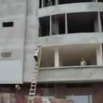Jak wejść na 4 piętro przy pomocy drabiny?