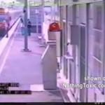 Zepchnęli dwóch kumpli pod pociąg