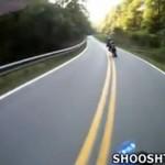 Motocyklista roztrzaskał się na prostej drodze!