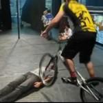 Triki rowerowe - zaufałbyś mu?
