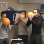 3 facetów i gaz rozweselający