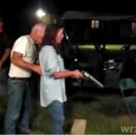 PIJANA kobieta vs broń