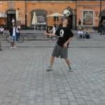 Piłkarski pokaz na Placu Zamkowym