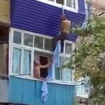 Żona dała mu szlaban na picie z sąsiadem...