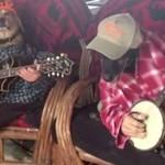 """Psy grają """"Bluegrass"""""""