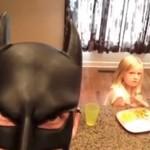 BatDad, czyli tata bawi się w Batmana