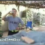 Amerykański żołnierz pije mocz!
