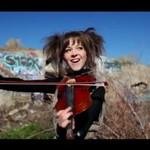Lindsey Stirling - tę skrzypaczkę pokochał Internet!