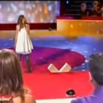 Dziewczynka śpiewa jak zawodowiec!