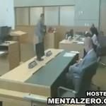 Skazany ZAŻYŁ TRUCIZNĘ na sali sądowej!