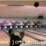 Tragiczny wypadek podczas żonglowania... kulami do kręgli