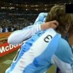 Piłkarz ZDERZYŁ SIĘ z kamerą!
