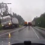 Zderzenie ciężarówek - KULA OGNIA!