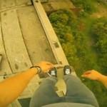 Szalony Rosjanin skacze po dachach!
