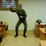 Ruski mundrowy tańczy tecktonik!