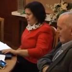 Radni debatują o sprawach miasta, a burmistrz ogląda mecz