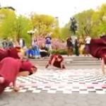 Buddyjscy mnisi tańczą breaka - NIE OGARNIESZ!