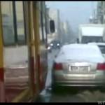 Kierowca zatarasował przejazd! (ŁÓDŹ)