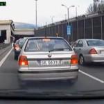 Agresja na środku drogi