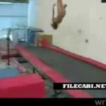 Wpadka nagiej gimnastyczki