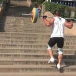 Wchodzenie z ciężarem po schodach - HARDKOR!