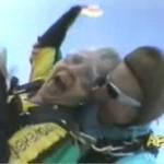 Babcia na spadochronie
