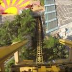 Ten rollercoaster przeczy prawom fizyki