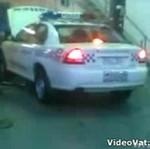 """Patrol policji """"pali gumę"""""""