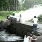 Samochód prawie ZABIŁ kobietę!