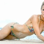 Brooklyn Decker pozuje topless