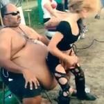 Dziewczyna podeszła do niego i odstawiła dziki taniec