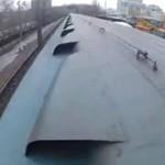 Ekstremalny bieg po dachu pociągu