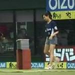 Malutka Japonka rozbija 10 cegieł głową