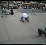Niesamowity uliczny pokaz breakdance - PADNIESZ!