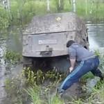 Rosyjska łódź powodna na kołach