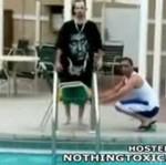 Skok do basenu