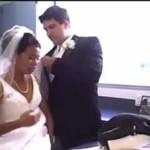 Pingwin ZNISZCZYŁ jej suknię ślubną!