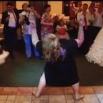 GRUBA CIOTKA wygina się na weselu!