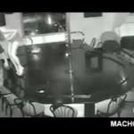 Tancerka spadła ze stołu!