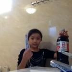 Mentosy i cola vs mała dziewczynka