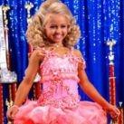 Małe modelki - tak ambicje rodziców niszczą dziewczynkom dzieciństwo!