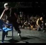 Breakdance... z krzesłem!