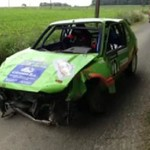 Wypadek samochodowy na pełnej prędkości