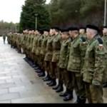Polscy żołnierze odliczają do dwóch